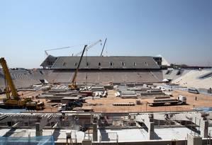 Obras do futuro estádio do Corinthians, que sediará a abertura da Copa de 2014 Foto: WERTHER SANTANA / ESTADÃO