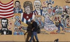 Mudança. Mural com referências a Cuba em Little Havana, Miami: entre membros da comunidade nascidos nos EUA, apoio a Obama chegou a 60% Foto: Reuters/26-1-2012