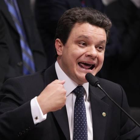Relator da CPI do Cachoeira, deputado Odair Cunha Foto: O Globo / André Coelho