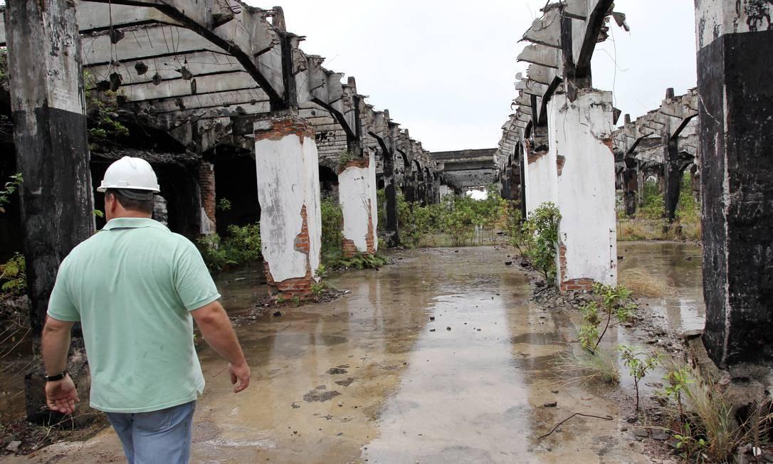 Projeto na Zona Portuária está atrasado há dois anos e tem novo prazo em 2014 Foto: Cezar Loureiro / O Globo