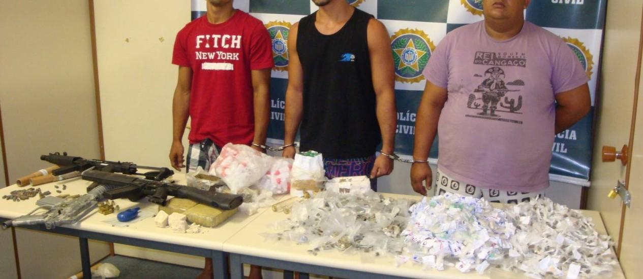 Presos e drogas apreendidas durante operação da Dcod Foto: Divulgação
