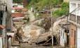 Diversas casas foram atingidas por deslizamento no bairro Três Irmãos, distrito de Conselheiro Paulino, em Nova Friburgo