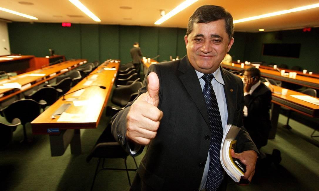 Irmão de Genoino, Guimarães ficará com liderança do PT Foto: Agência O Globo / Ailton de Freitas