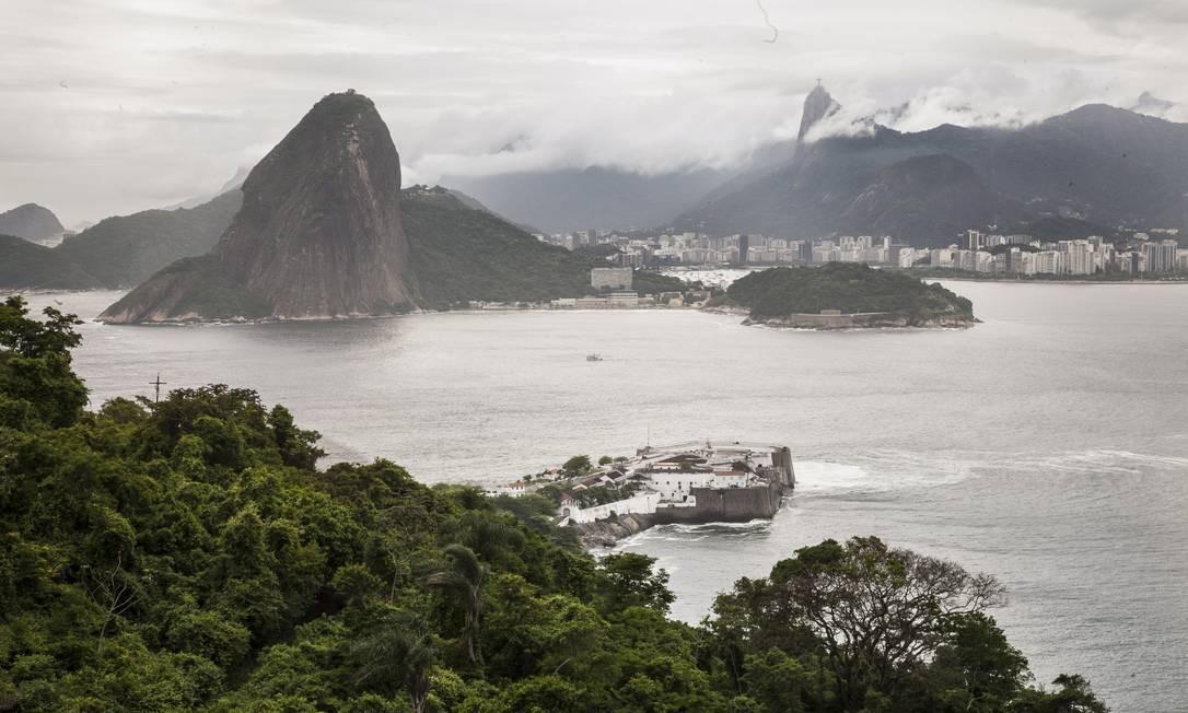As primeiras fortificações de Niterói completam 400 anos este ano com muitas histórias para contar; na foto, a Fortaleza de Santa Cruz Foto: Daniela Dacorso / O Globo