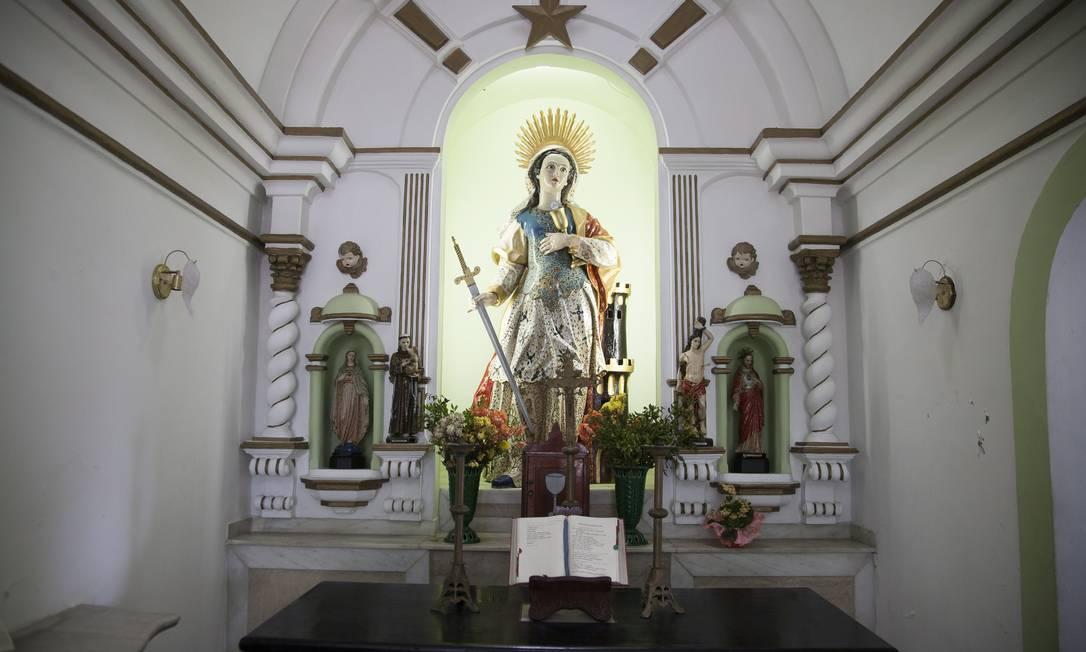Resultado de imagem para capela de santa barbara fortaleza de santa cruz