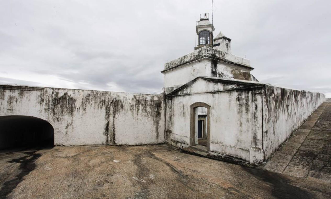 Ditados populares, como 'a cobra vai fumar, nasceram bem aqui pertinho, no complexo de fortes de Niterói; na foto, a casamata na Fortaleza de Santa Cruz Foto: Daniela Dacorso / O Globo