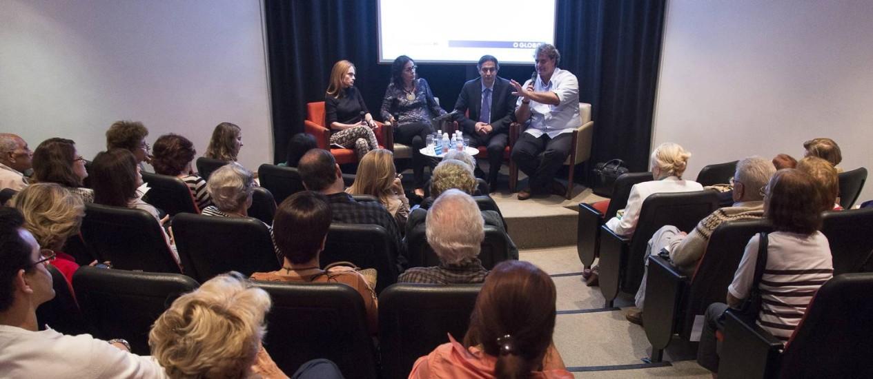 Debate. Especialistas discutem contexto social e estudos da neurociência relacionados à felicidade na última edição dos Encontros O GLOBO Saúde e Bem-estar. na Casa do Saber Foto: Fotos de Leo Martins