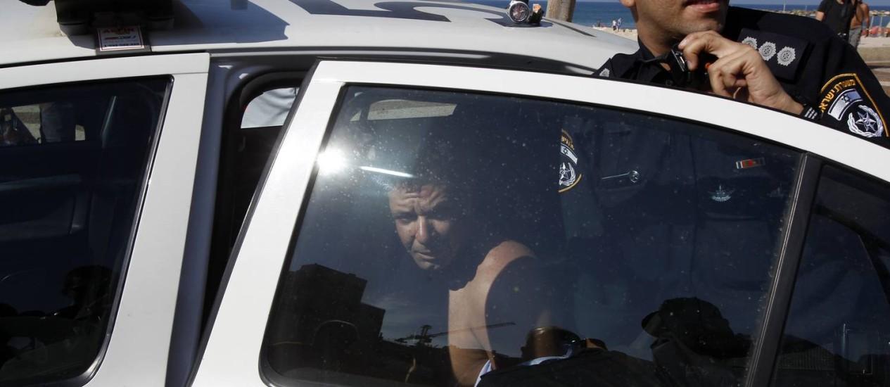 Homem é detido no momento do crime; segurança fica levemente ferido Foto: BAZ RATNER / Reuters