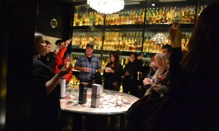 Degustação de uísque na Scotch Experience Especial para O Globo / Mari Campos
