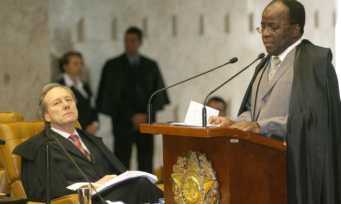 Em 2006, o ministro assumiu a relatoria do processo do mensalão Foto: Agência O Globo / Gustavo Miranda