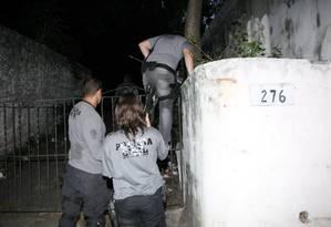 Polícia Civil faz operação para prender integrantes da Torcida Jovem do Flamengo Foto: Fernando Quevedo / O Globo