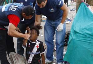 Vinte e três pessoas, sendo dois menores, foram acolhidas na manhã desta quinta-feira durante operação de combate ao crack no Parque União, no Complexo da Maré Foto: Pablo Jacob / O Globo