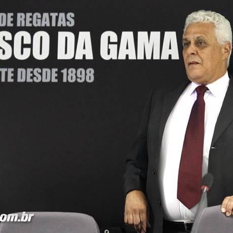 O presidente do Vasco, Roberto Dinamite. Clube busca alternativas para quitar os dois meses de salários atrasados Foto: Vasco / Divulgação