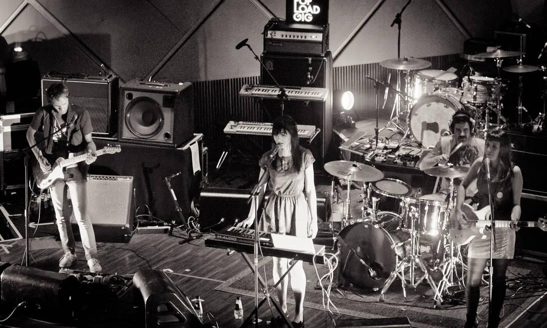 A banda Audac em cena: experimentos com um controlador de áudio e influências variadas Foto: Divulgação/Fabricio Vianna