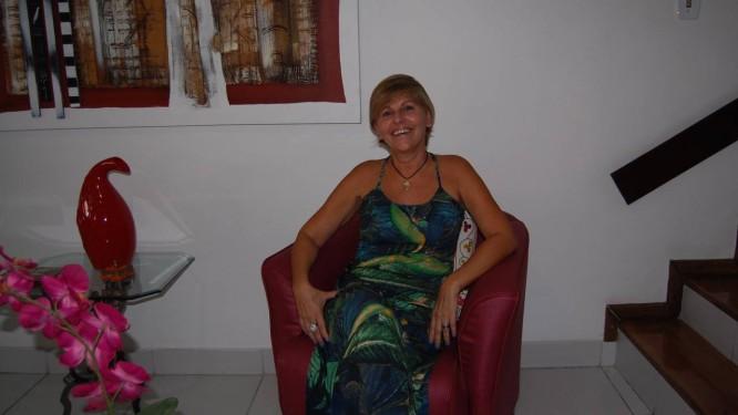 """Movimento feminista. Sônia Saturnino Braga em sua casa, em Pendotiba: em 2004, Sônia publicou o livro """"A história das mulheres em Niterói"""" Foto: Foto de Alessandro Lo-Bianco"""