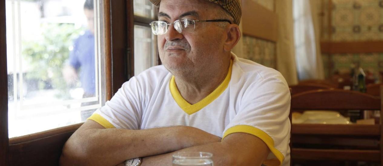 O professor Geraldo Prado: 110 mil livros na biblioteca de Paiaiá, povoado de 500 habitantes na Bahia, frequentada até por estudantes de Salvador Foto: Ana Branco
