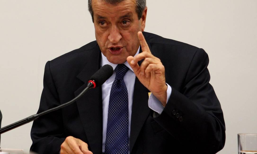 Na mira . Deputado Valdemar Costa Neto: PF gravou conversas entre ele e Paulo Vieira Foto: O Globo / Ailton de Freitas