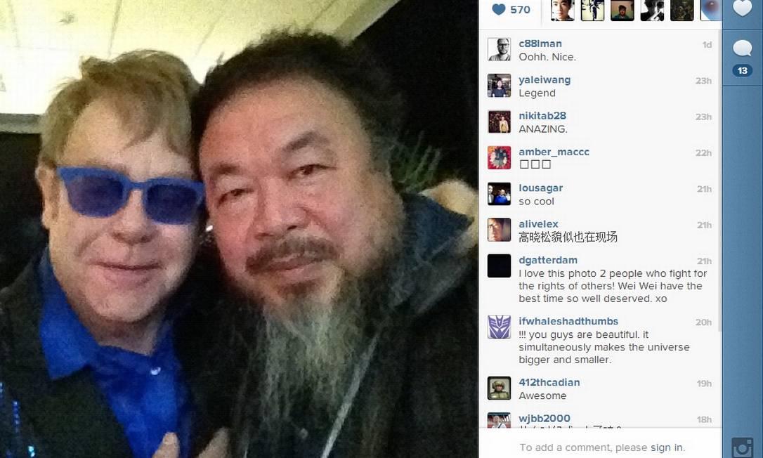 Elton John se encontrou com Wei Wei antes do show Foto: Reprodução da internet