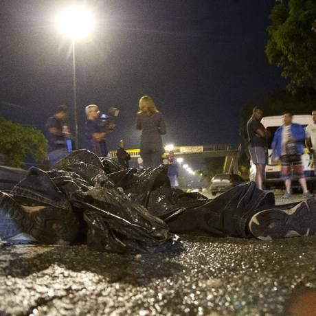 Policial militar à paisana morto por outro PM, enquanto perseguia um assaltante Foto: Fernando Quevedo / Agência O Globo