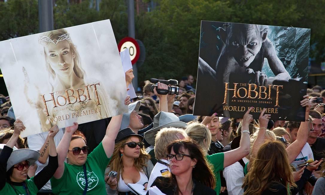 Muitos deles levaram cartazes do filme, que estreia no Brasil em 14 de dezembro Marty Melville / AFP Photo