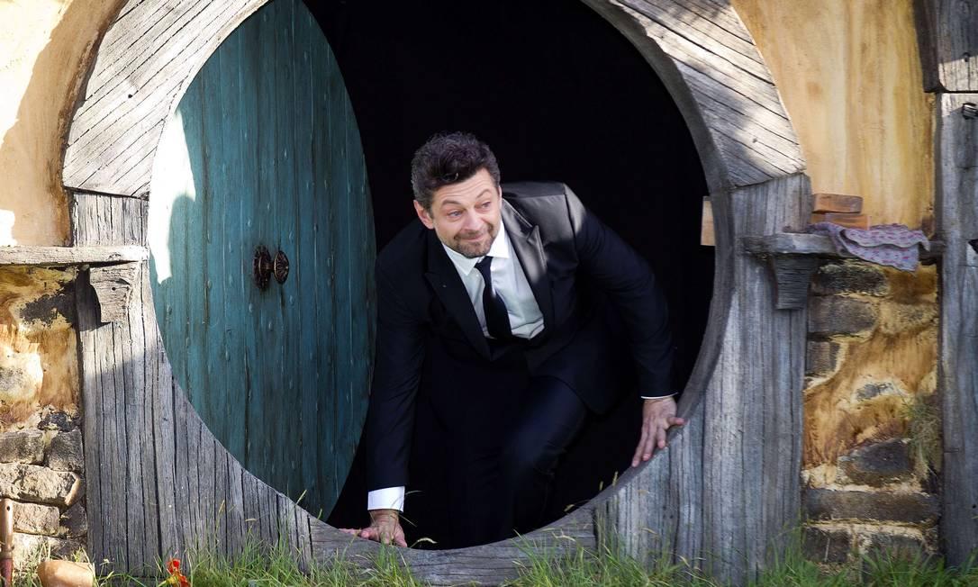 "O ""Gollum"" Andy Serkis sai da toca do Hobbit Marty Melville / AFP Photo"