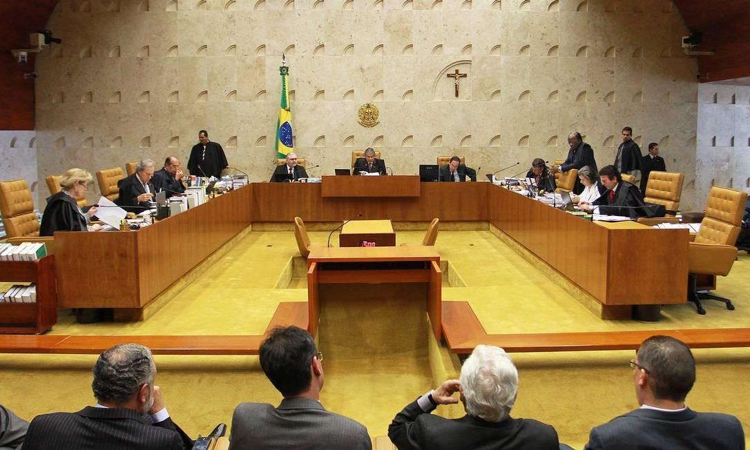 Plenário do STF em uma das sessões do julgamento do caso do mensalão Foto: Arquivo O Globo / Ailton de Freitas