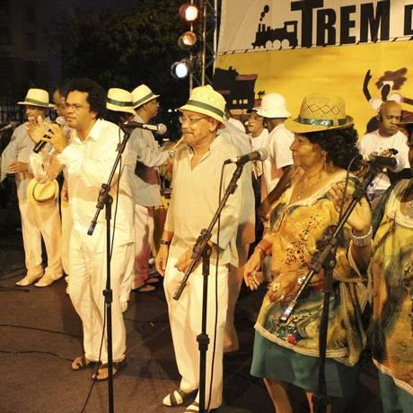 Marquinhos de Oswaldo Cruz canta com velha guarda na edição de 2011 do Trem do Samba Foto: Divulgação