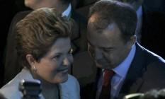 Dilma e Cabral deixam a cerimônia de apresentação dos grupos da Copa das Confederações Foto: PAULO WHITAKER / REUTERS