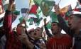 Palestinos celebram a mudança de status na ONU em Ramallah, Cisjordânia