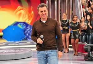 O apresentador Luciano Huck teve a sua CNH apreendida em blitz da Lei Seca Foto: João Miguel / Rede Globo