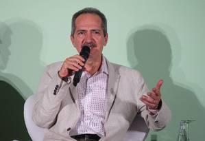 """Aldo Rebelo durante o seminário """"2016 e o salto do esporte brasileiro"""" Foto: Ivo Gonzalez / Agência O Globo"""