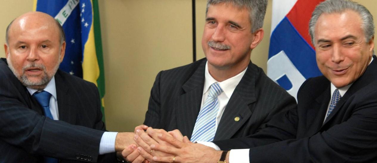 Relações . O deputado Milton Monti: ele fez o contato de Vieira com seu irmão Foto: Agência Brasil