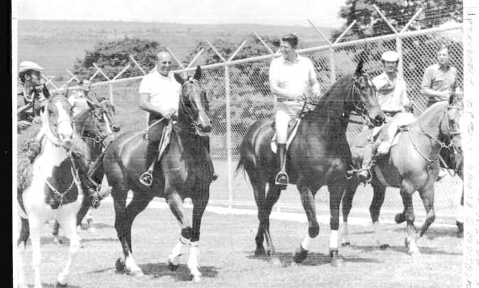 Supostos casos de Figueiredo saiam em notinhas na imprensa, assim como a paixão do ex-presidente pelos cavalos. Em 1982, ele andou a cavalo com Ronald Reagan Divulgação