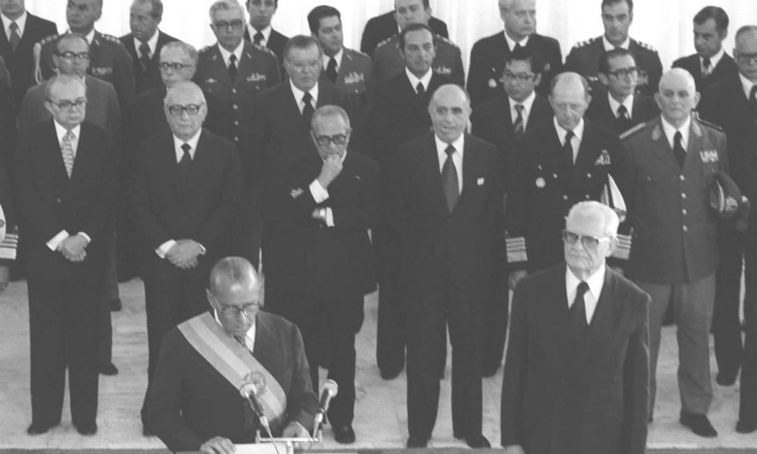 João Baptista Figueiredo chegou à Presidência em 1979. Na cerimônia de posse se comprometeu a fazer do país uma democracia Arquivo O Globo