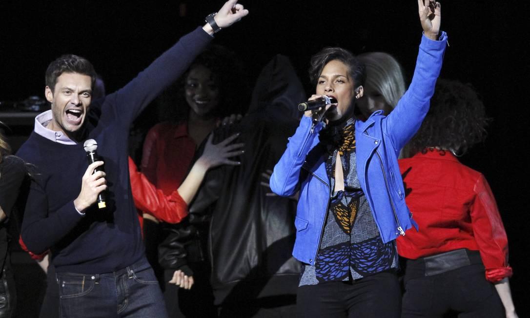 O evento, realizado no Nokia Theatre L.A. Live, foi apresentado por Ryan Seacrest e Alicia Keys Reuters