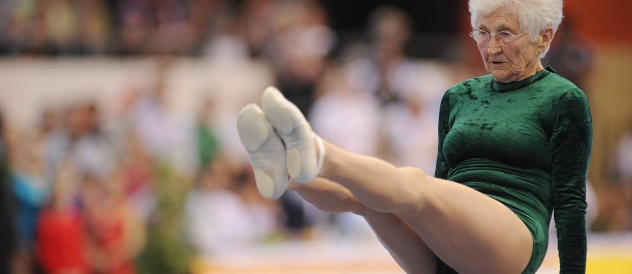 Johanna Quaas, a ginasta mais velha do mundo Foto: Hannival Hanschke / AFP