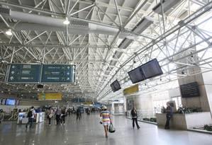 Área de embarque do Aeroporto do Galeão Foto: Ana Branco / Agência O Globo