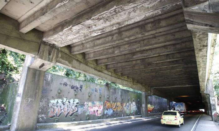 Um relatório da Coppe/UFRJ apontou que é grave o estado de degradação estrutural dos dentes de apoio das vigas do elevado Pablo Jacob / O Globo