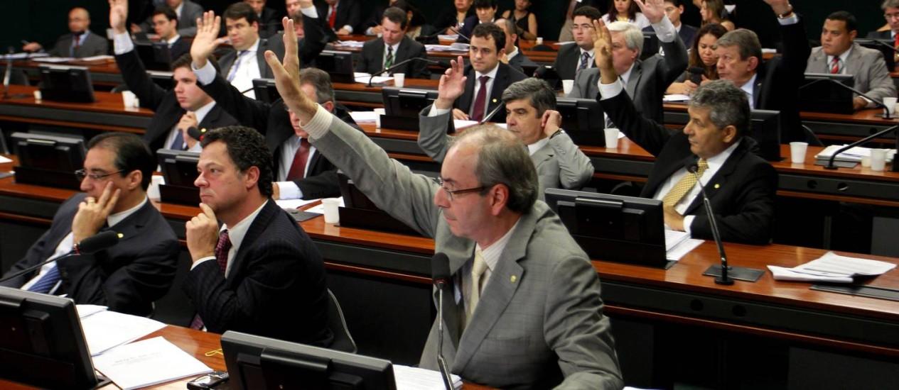 Base governista derruba requerimento de convocação de Rosemary Noronha Foto: O Globo / Ailton de Freitas