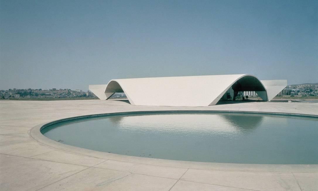 Universidade de Constantine, em Argel Acervo Fundação Oscar Niemeyer