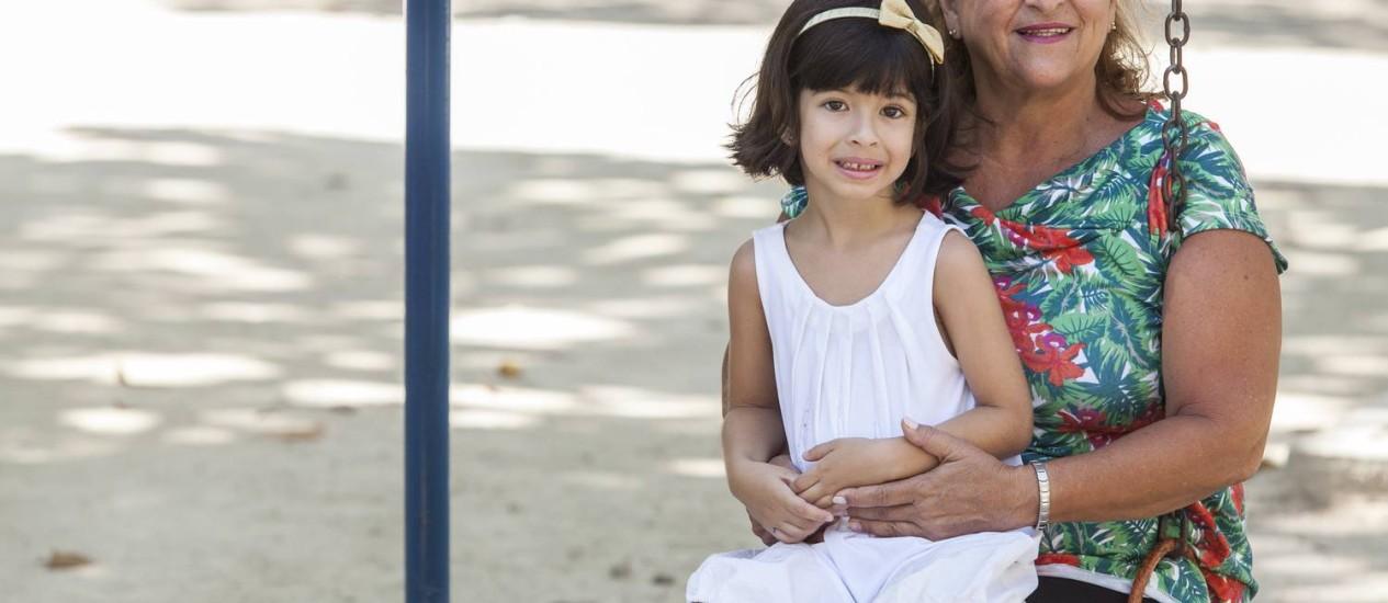 Dolores Pizão deu de presente para a neta Flora um plano de previdência privada Foto: Daniela Dacorso