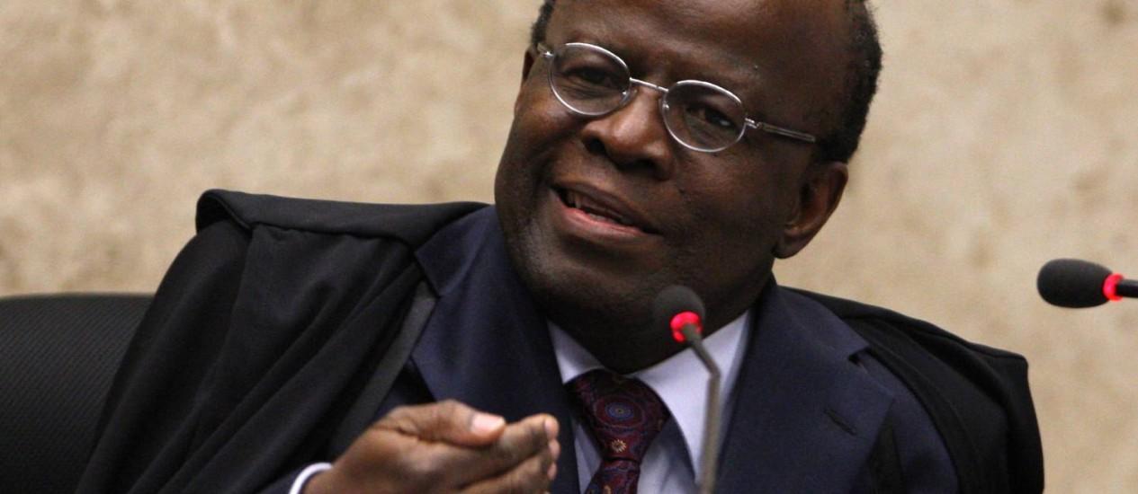 Presidente do STF e relator do mensalão, joaquim Barbosa Foto: O Globo / Givaldo Barbosa