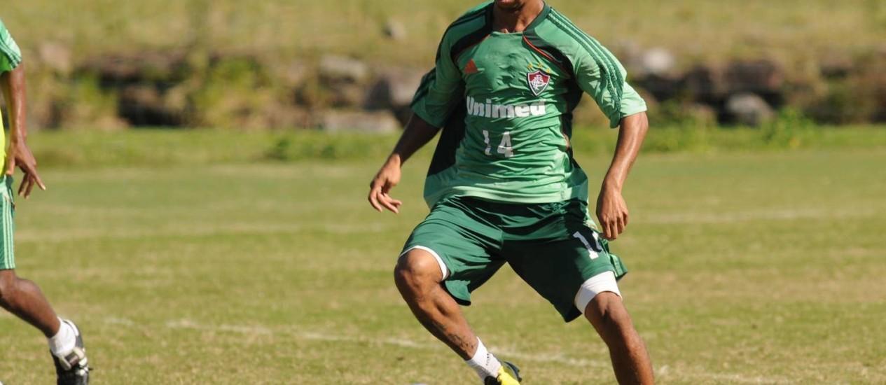 Fluminense analisa o retorno do lateral Mariano Foto: Divulgação
