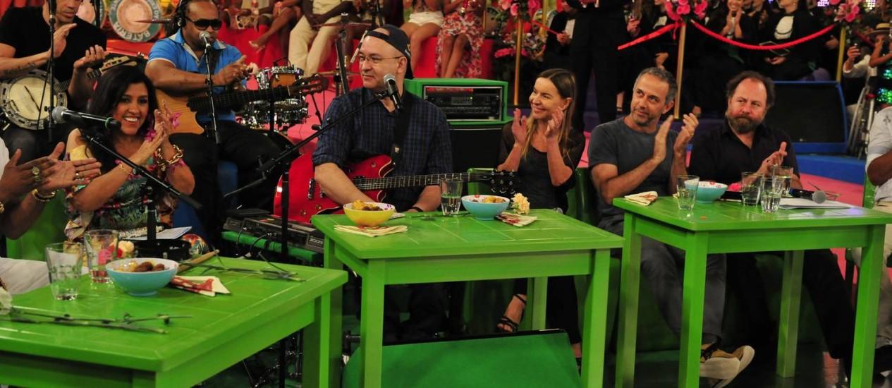 Regina Casé recebe Herbert Vianna na estreia do 'Esquenta' Foto: Divulgação/TV Globo
