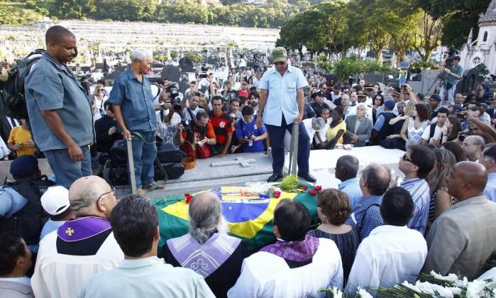 Religiosos acompanharam o enterro do arquiteto Pablo Jacob