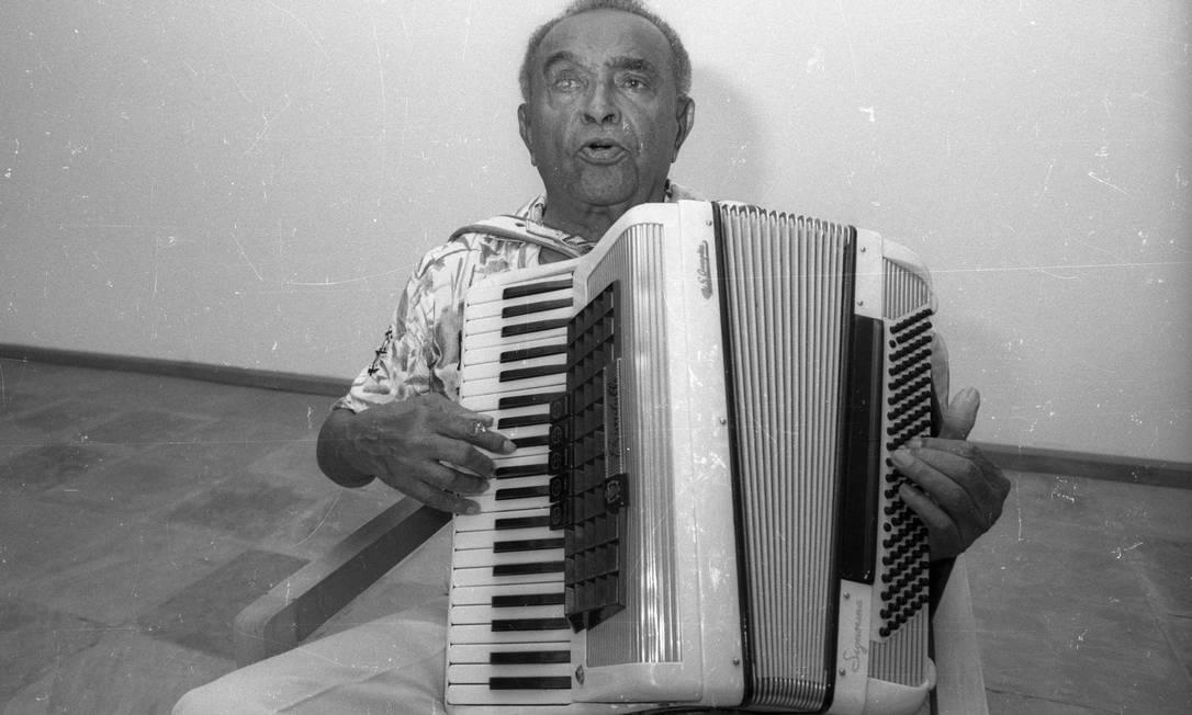 Aos 75 anos, cego do olho direito, Luiz Gonzaga anuncia sua decisão de encerrar a carreira em 1988 Manoel Soares / Agência O Globo