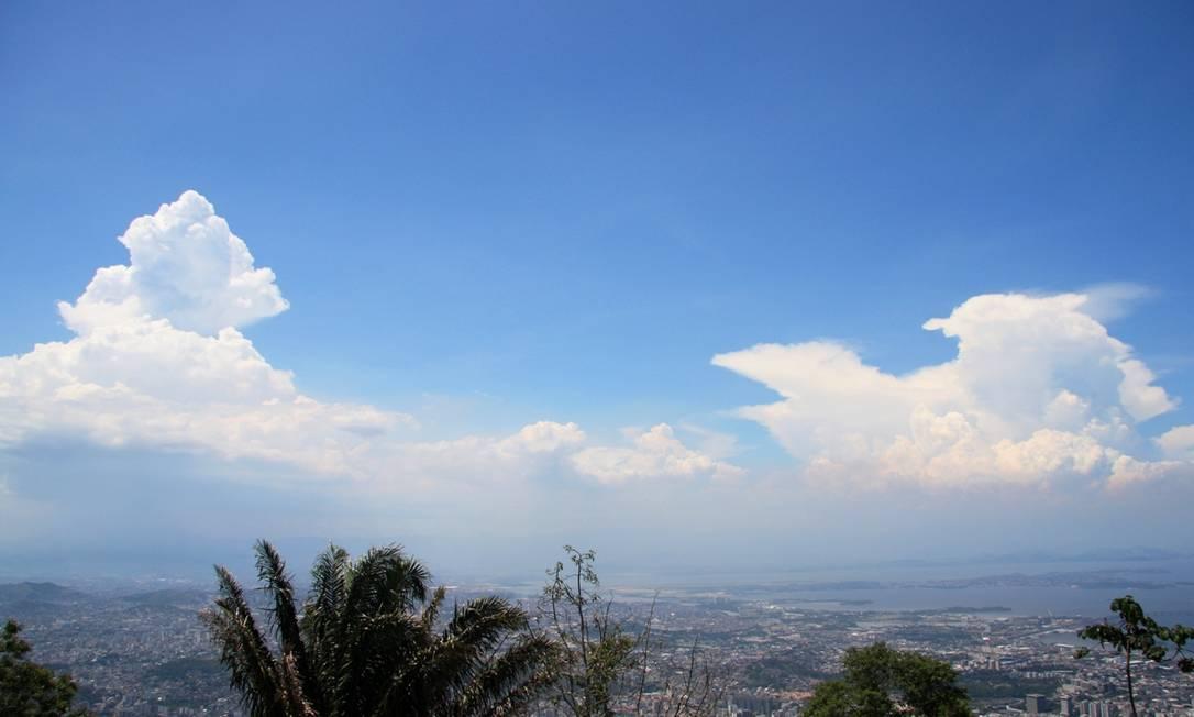 Uma típica construção budista, à esquerda? Eu-Repórter / Foto do leitor Marcos Estrella