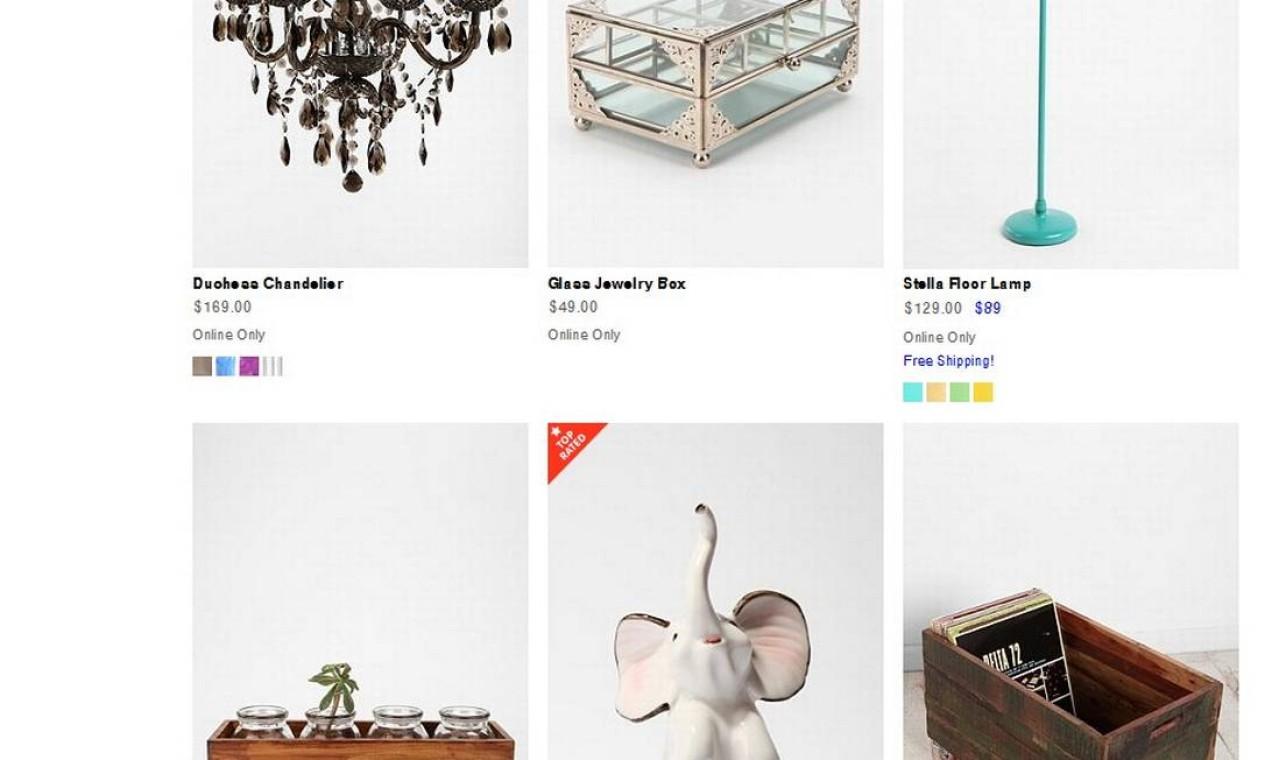 Há também luminárias e objetos de decoração disponíveis para venda no site Foto: Reprodução internet