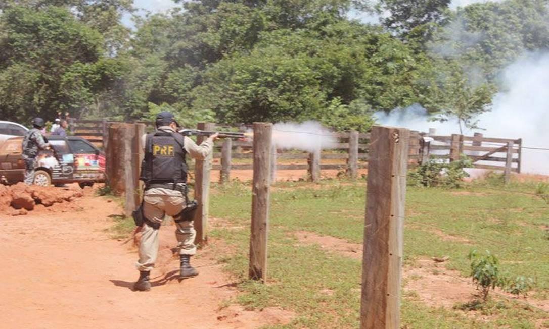 Foi o primeiro dia de desocupação das Terras Indígenas Marãiwatsèdè Foto: Agência da Notícia