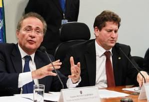 Senador Renan Calheiros e deputado Jilmar Tatto no Congresso: acordo fracassou Foto: Ailton de Freitas / Agência O Globo